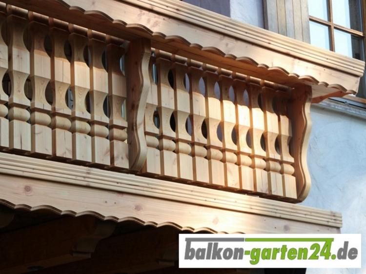 Balkongeländer Holz Kufstein-D Douglasie Lärche
